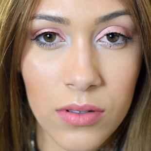 Макияж в клуб для голубых глаз