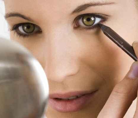 Повседневный макияж для болотных глаз
