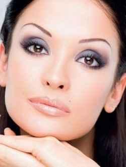 Лёгкий макияж для карих глаз без стрелок