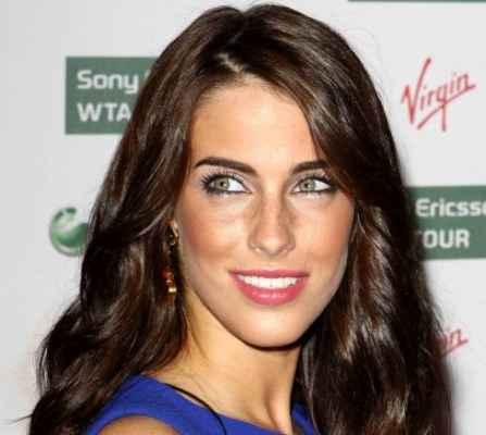 54d3388bf4b А вот обладательницы светло-зеленых глаз и фарфоровой гладкой кожи просто  обязаны иметь светлые русые волосы.