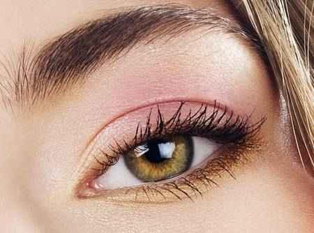 Повседневный макияж для карих глаз без стрелок