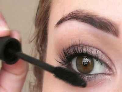 Сексуальный макияж для каре зеленых глаз
