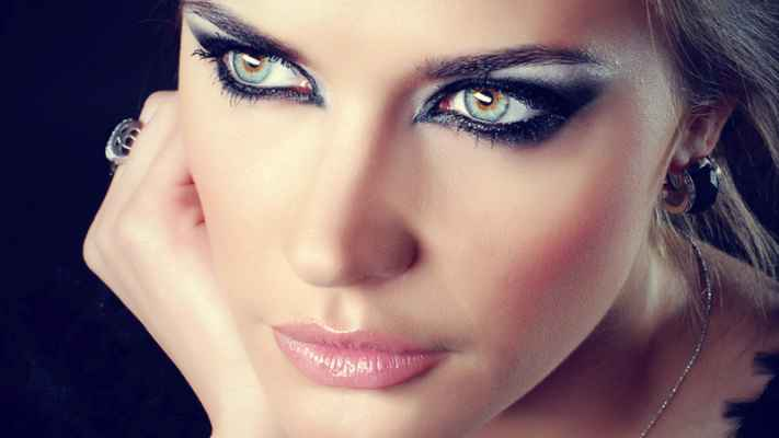 Свадебный макияж кошачьи глаза фото